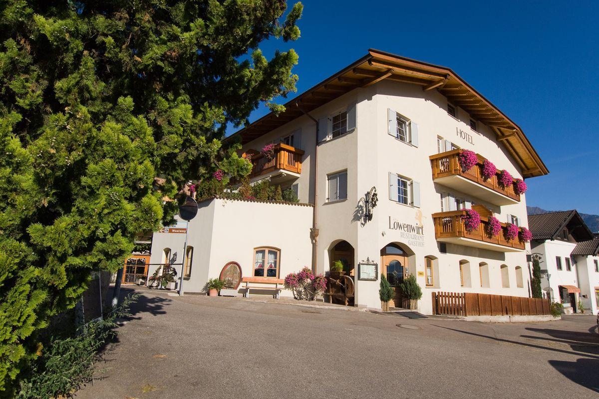 Ferienhotel l wenwirt in tscherms bei meran s dtirol for Design hotel meran und umgebung